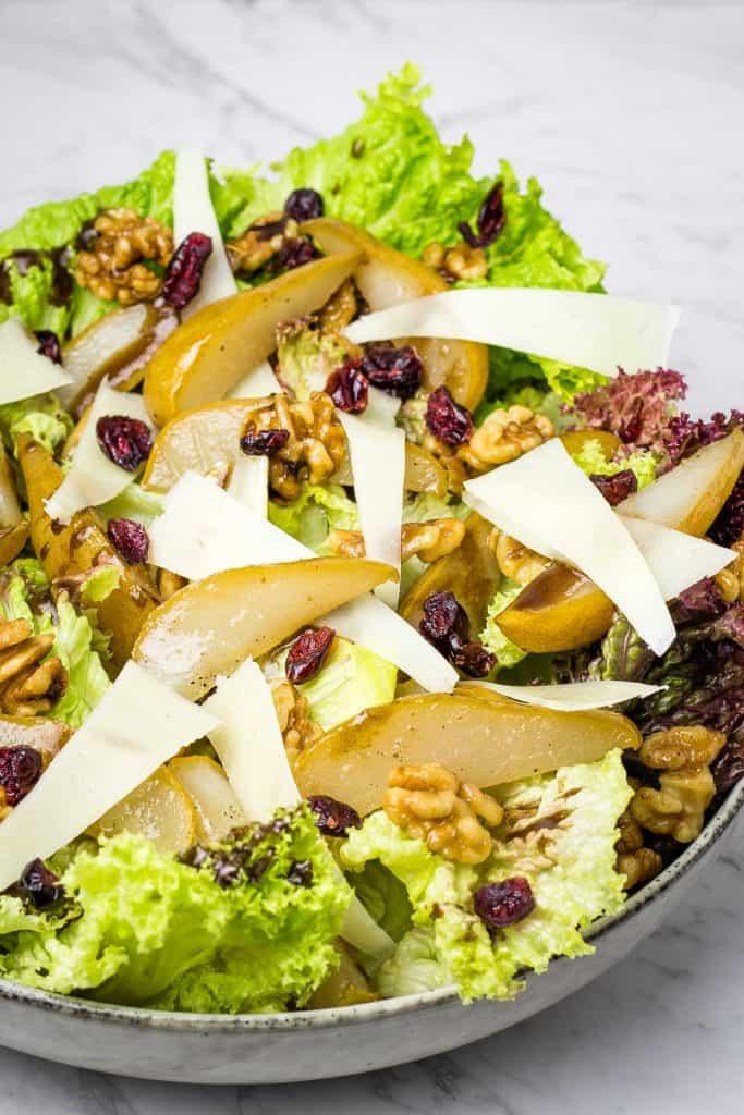 roasted walnut and pear salad hero image